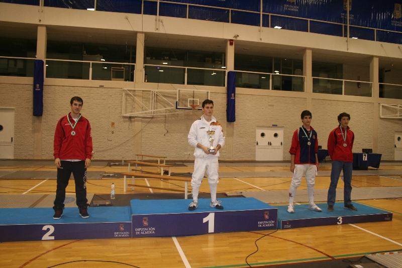 podio-florete-m-17-gonzalo-ramos-2%c2%ba-dcha-medalla-de-bronce
